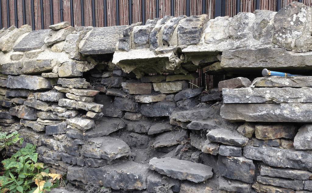 Gap stripping under mortared copestones