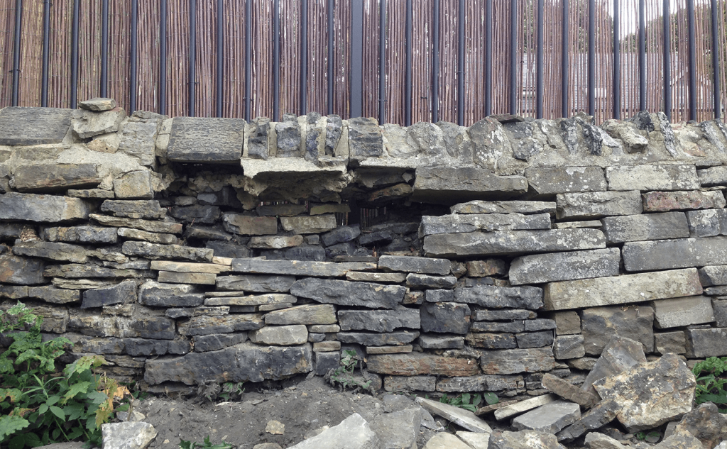 Gap walling