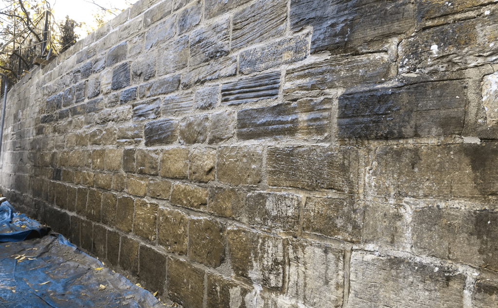 Face stone cleaned of excess mortar
