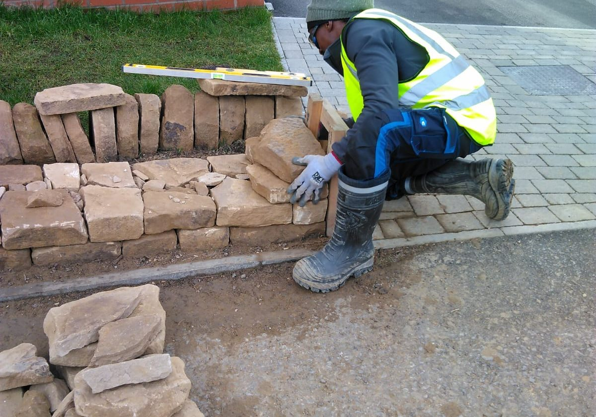 Dry stone walling using newly quarried stone